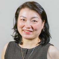 Suk Yin Li