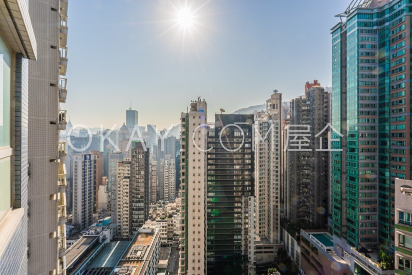 HK$29M 910sqft Centrestage For Sale