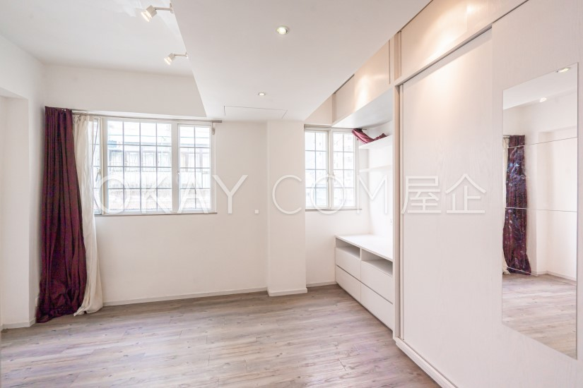 Subject To Offer 301SF Kin Hing House For Sale