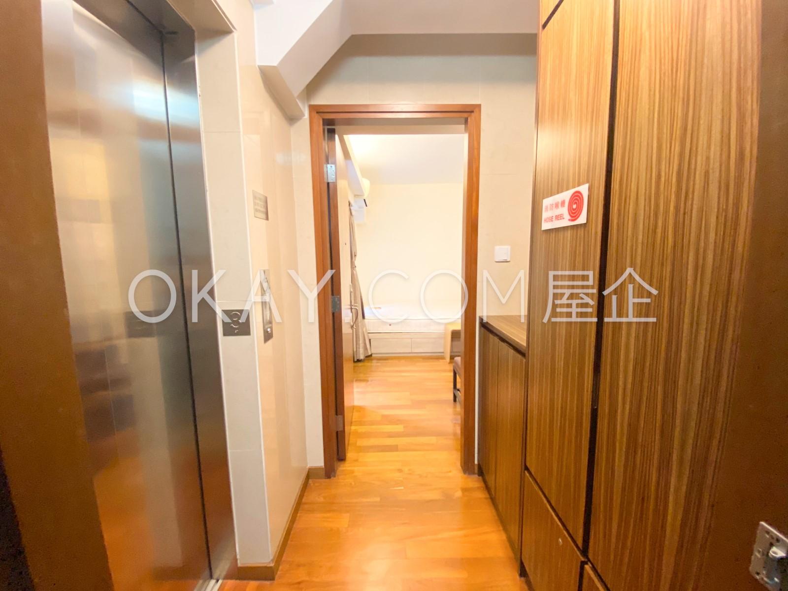 one unit per floor entrance