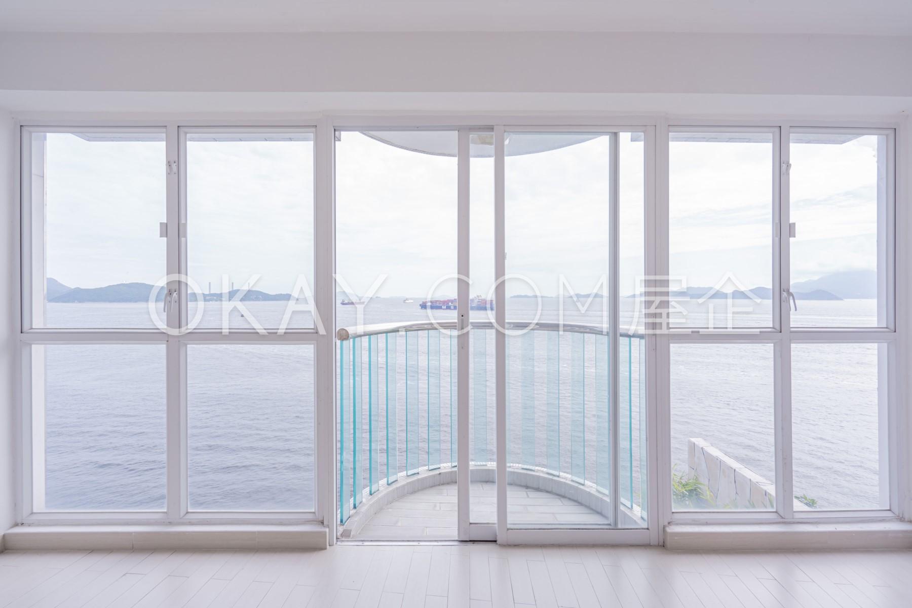 Master Bedroom's Balcony
