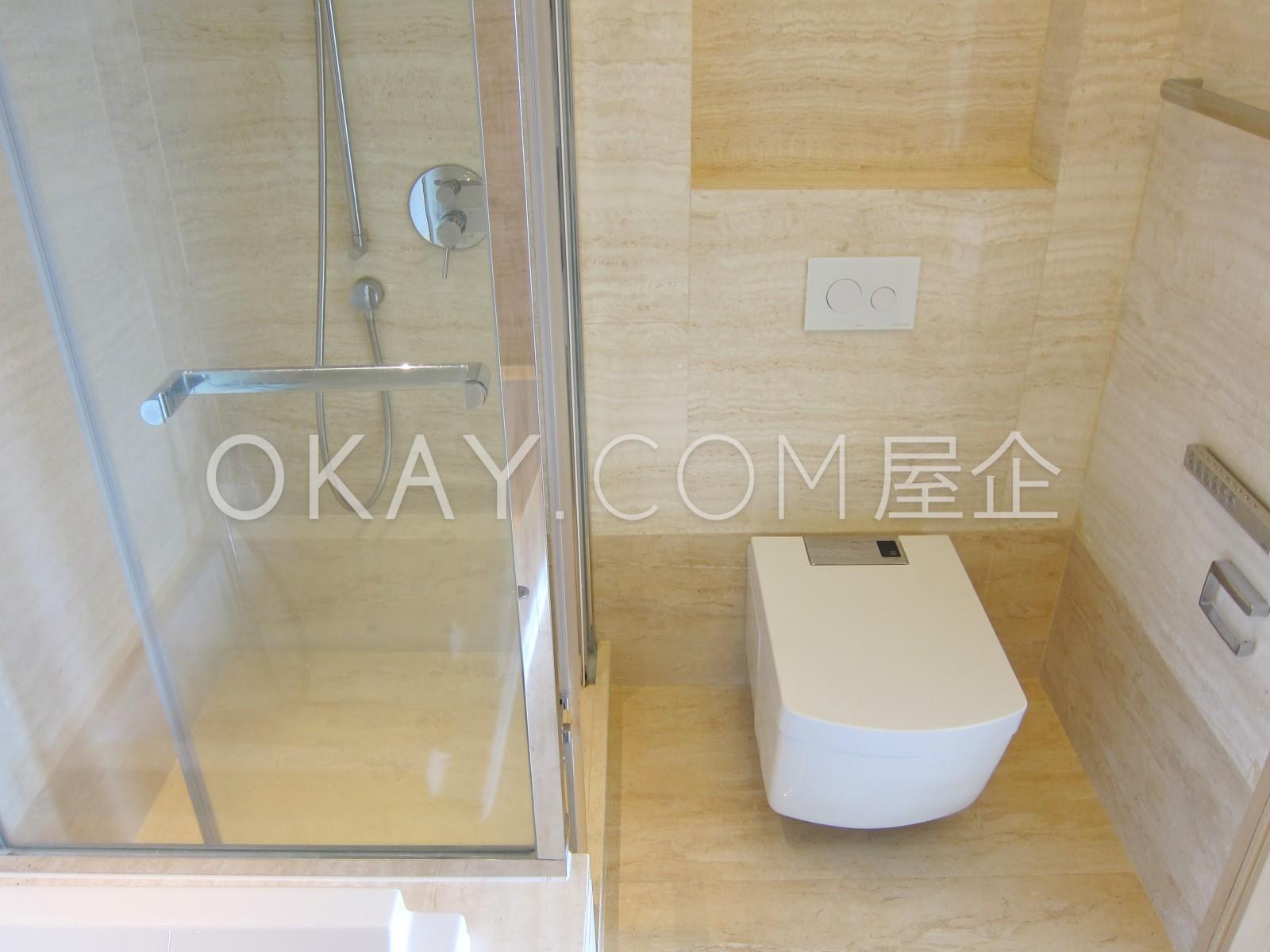 master bathroom pict 2