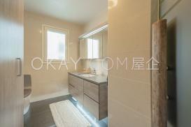 Bathroom 1F