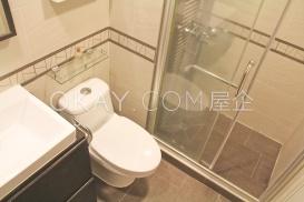 Bathroom pict 2