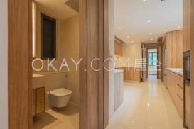 Toilet & Kitchen