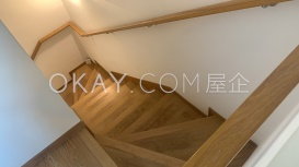 stair up to master bedroom