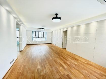 Elegant Villa - For Rent - 1349 sqft - HKD 33K - #395409